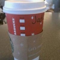 Photo taken at Starbucks by Jadi R. on 11/8/2011