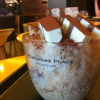 Photo taken at A TWOSOME PLACE by Hee jin K. on 8/11/2012