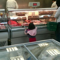 Photo taken at Newcastle Halal Food by shaukhi h. on 8/22/2011