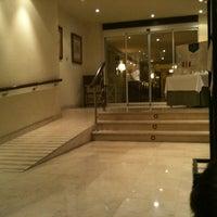 Foto tomada en Hotel Parador de Gijón por Oscar A. el 11/18/2011