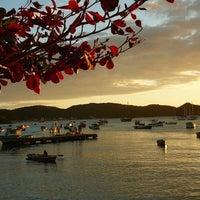 Foto tirada no(a) Praia de Manguinhos por Martin Nahuel S. em 5/15/2012