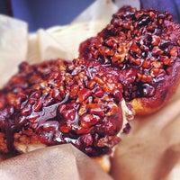 Das Foto wurde bei Flour Bakery & Cafe von Hillel am 6/9/2012 aufgenommen