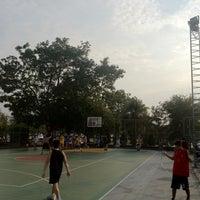 Photo taken at สนามบาส by PoUn ป. on 2/10/2012