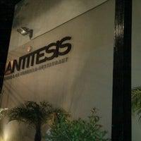 Foto tomada en Antítesis por Eugi M. el 10/22/2011