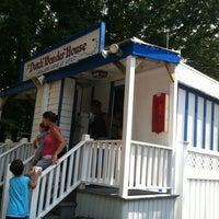 Photo taken at Dutch Wonder House - Dutch Wonderland by Deise K. on 8/26/2011