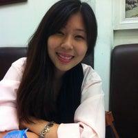Photo taken at Ten Ren's Tea by Yun li Y. on 4/29/2011