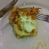 Photo taken at Cia do Sabor Pizzaria by Rodrigo N. on 6/23/2012