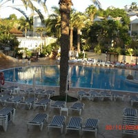 Photo taken at Oasis Golf Resort Hotel Tenerife by Jen on 10/21/2011