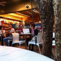 Foto tirada no(a) Santo Grão por M.L.F.T. em 6/27/2012