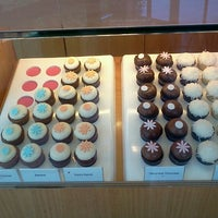 Photo taken at Kara's Cupcakes by Donatella C. on 8/17/2012