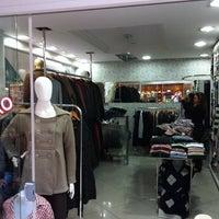 Foto tirada no(a) Aspen Mall por Santiago G. em 12/4/2011