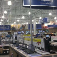 ... Photo Taken At Best Buy By Edgar D. On 9/11/2011 ...