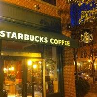 Снимок сделан в Starbucks пользователем Jared P. 11/1/2011