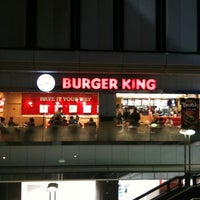 Photo taken at Burger King by 亜米利加 on 12/25/2010