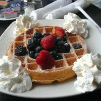 Снимок сделан в Refuel пользователем Judy H. 1/21/2012