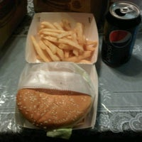 Photo taken at Burger King by Giovany T. on 1/23/2012
