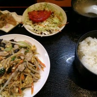 Photo taken at 台湾キッチン ユウラ (游羅) 青物横丁店 by Fumito I. on 11/15/2011