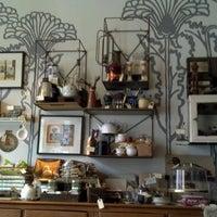 Foto scattata a The Random Tea Room da Morgan Boyle Y. il 11/20/2011