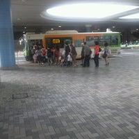 Photo taken at 品川駅港南口バスターミナル by 春野 熊. on 5/6/2012