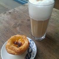 Das Foto wurde bei Café Estoril von Andrea B. am 10/3/2011 aufgenommen