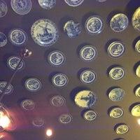 Photo taken at Flying Saucer Draught Emporium by Keish K. on 3/31/2012