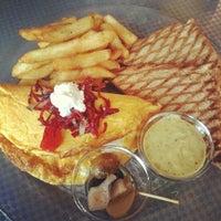 Das Foto wurde bei Toasteria Cafe von Xaviera C. am 3/13/2012 aufgenommen