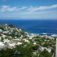 Foto scattata a Isola di Capri da 🐸Julie🍀🌺 B. il 6/11/2012
