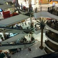 Foto tirada no(a) Shopping Iguatemi por Camila F. em 2/13/2012