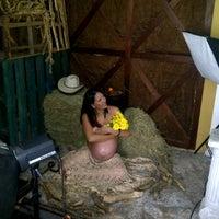 Photo taken at Stilo Fotográfico by Ricardo ElChino E. on 5/27/2012