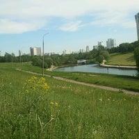 5/20/2012 tarihinde Vladimir R.ziyaretçi tarafından Парк Олимпийской деревни'de çekilen fotoğraf