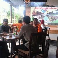 Photo taken at Kunang-kunang Restaurant & Swimming Pool by 'Kerring H. on 12/11/2011