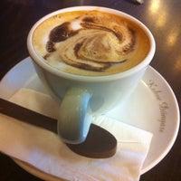10/6/2011 tarihinde Umit D.ziyaretçi tarafından Kahve Dünyası'de çekilen fotoğraf