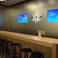 Photo taken at Apple Store by 9VSKA on 12/22/2011