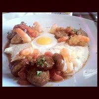 Das Foto wurde bei Paschal's Restaurant von Simpli C. am 8/8/2012 aufgenommen