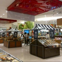 Das Foto wurde bei Gourmet Market von Irfan T. am 7/9/2012 aufgenommen