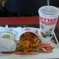 Photo taken at Jack in the Box by Knarl S. on 5/9/2012