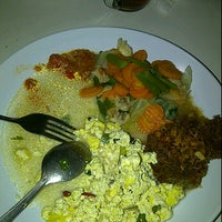 Photo taken at Karapitan Fried Chicken (Warung Ijo) by Lusiana S. on 6/6/2012