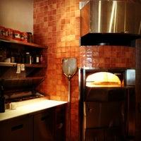 Photo taken at Pizza Nea by Celina on 8/13/2012