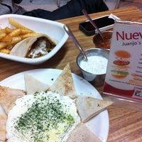 Foto tomada en Juanjo's Kebab por Jassie T. el 9/2/2012