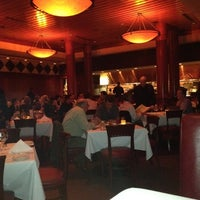 Photo prise au Fleming's Prime Steakhouse & Wine Bar par Jim B. le3/21/2012