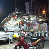 Photo taken at MRT Huai Khwang (HUI) by Boommanizer F. on 5/23/2012