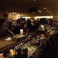 Das Foto wurde bei 55 Bar von Alexander I. am 4/23/2012 aufgenommen