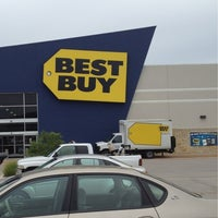 Photo taken at Best Buy by Darrell H. on 7/1/2012