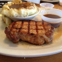 Photo taken at Texas Roadhouse by Rochelle on 8/25/2012