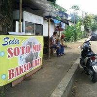 Photo taken at Soto Mie - Bakso Urat by Kamal A. on 2/20/2012