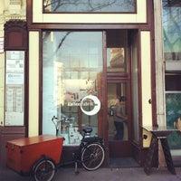 Das Foto wurde bei Kaffeefabrik von Alexander am 3/6/2012 aufgenommen