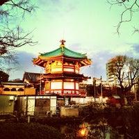 Foto scattata a 不忍池弁天堂 da nik il 4/1/2012