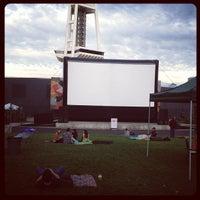 8/27/2012にAshley H.がSeattle Center - Movies at the Muralで撮った写真