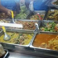 Photo taken at ร้านอาหาร สวัสดิการ ศิริราช by Sixsax.^_^ on 6/1/2012