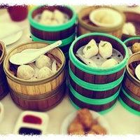 Photo taken at Restoran Jin Xuan Hong Kong Sdn. Bhd. (锦选香港特极点心) by Salapao K. on 6/30/2012